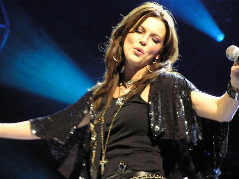 "Concert review ""Martina McBride, Trace Adkins "" by Jarrod Brown"