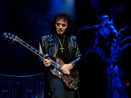 Toni Iommi on the Paranoid Guitar Lick