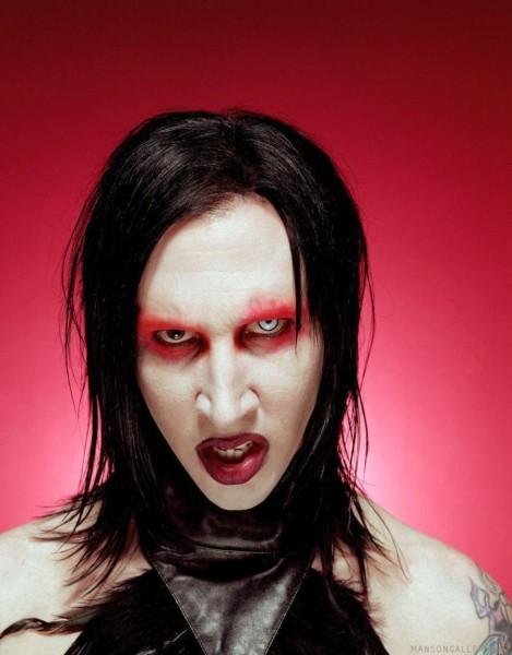 Marilyn-Manson-marilyn-manson-29937641-900-1150