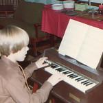 80_jl_playing_organ