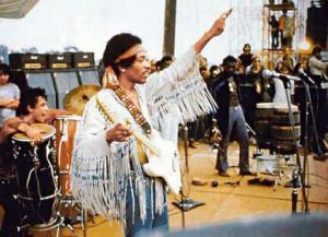 Jimi_Hendrix_performing_-The_Star_Spangled_Banner-_at_Woodstock,_August_18,_1969