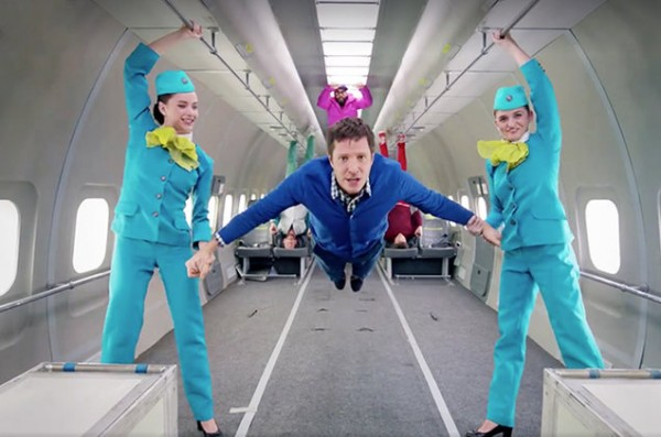 OK-Go-Gets-Upside-Down-Inside-Out-In-Incredible-Music-Video-Shot-in-Zero-Gravity-e1455227569213